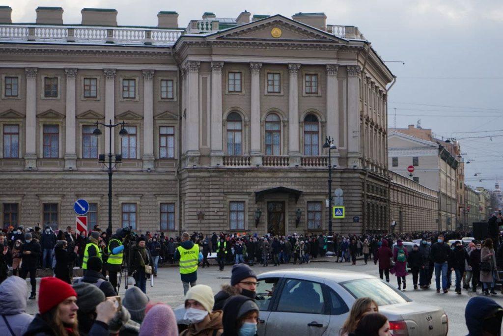 Протестующие попытались пробиться к Невскому