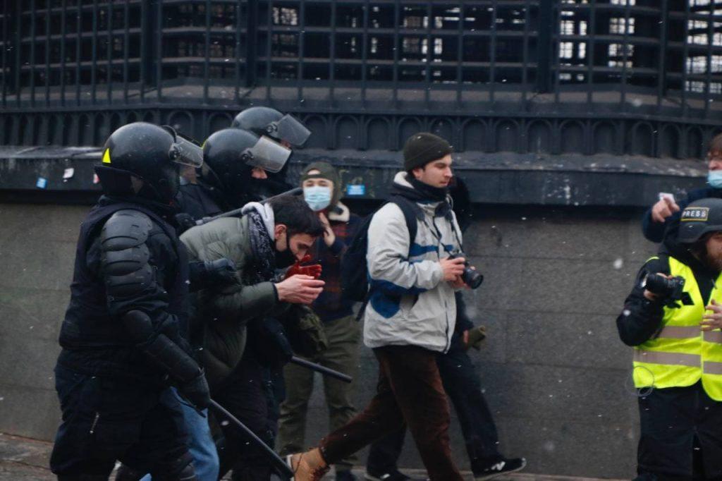 Протестная акция в Петербурге заканчивается там же, где начиналась