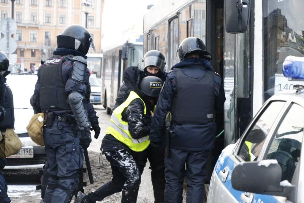 Петербургские суды продолжают подводить итоги зимних акций навальнистов