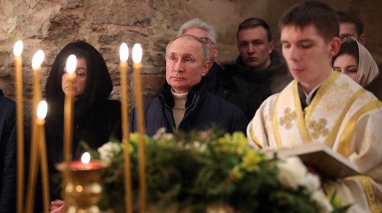 Путин поздравил православных россиян с Рождеством