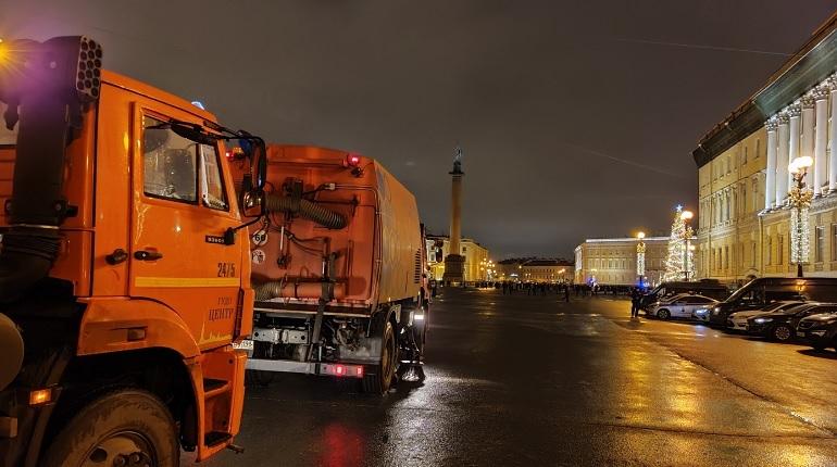 В Петербурге после новогодней ночи собрали 167 кубометров мусора