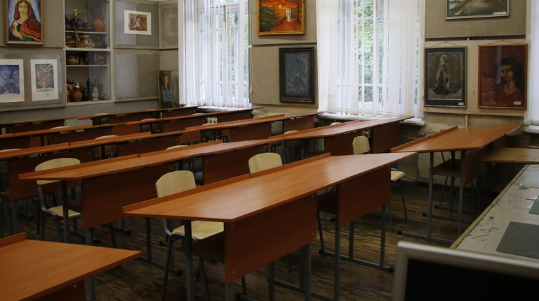 В школе на Ударников искали «мины», эвакуировали восемь человек