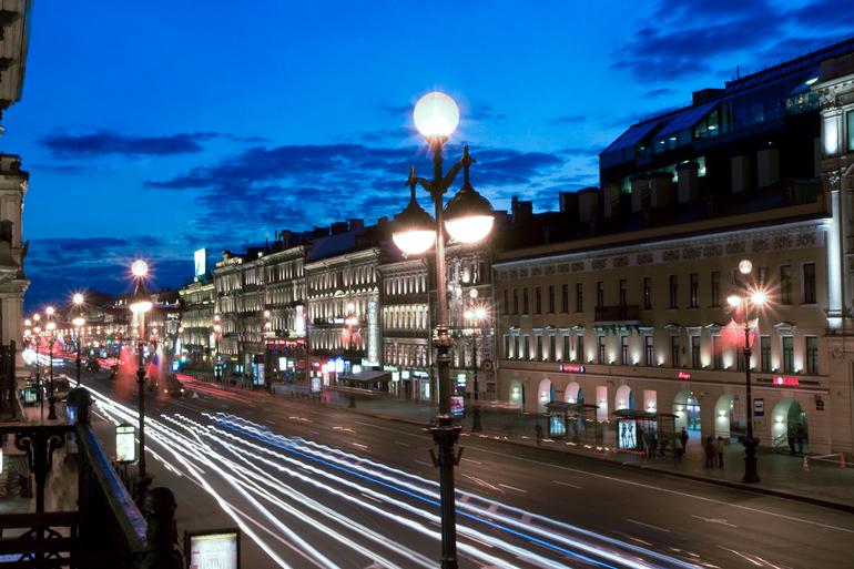 Петербуржцы заподозрили «Ленсвет» в установке вредных для здоровья светильников