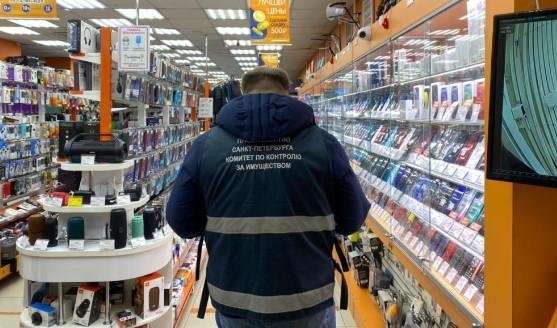 В Петербурге на соблюдение коронавирусных ограничений проверили 347 организаций