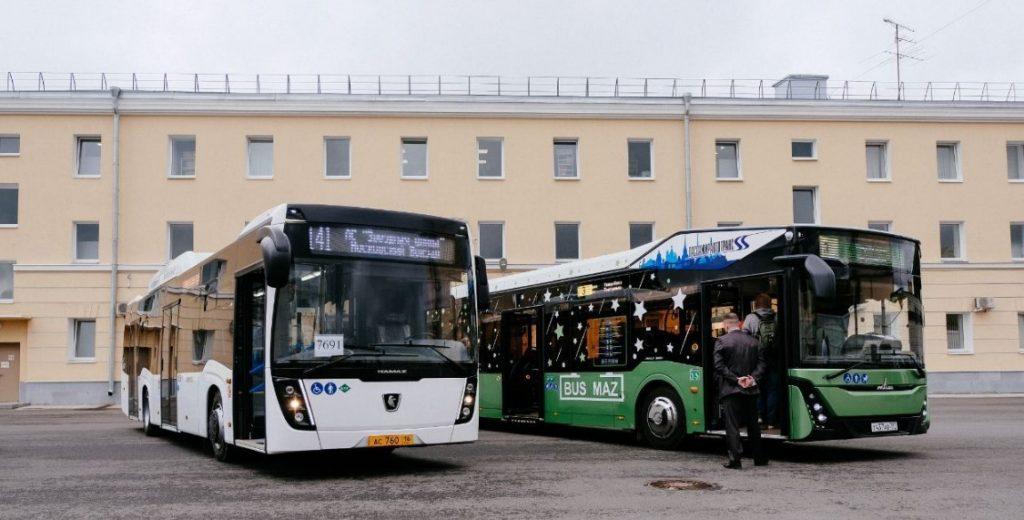 Летом в Петербурге отменят ночные автобусные рейсы