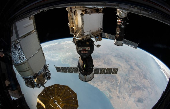 Сборта МКС в космос запустили восемь спутников