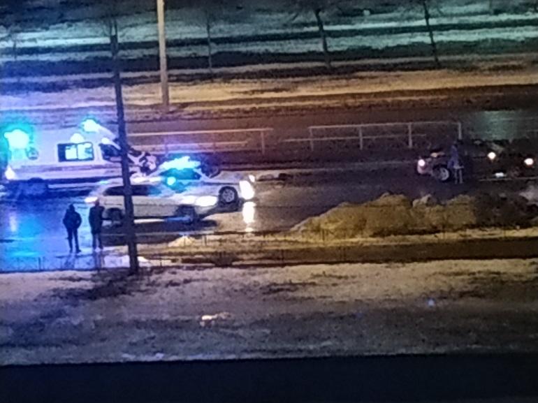 В ДТП в Невском районе женщине, перебегавшей дорогу, оторвало ноги