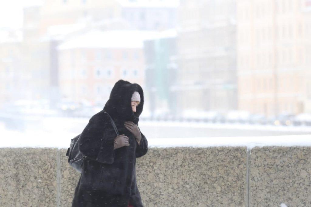 Теплый фронт принесет в Петербург снегопады и ветер, век назад было без осадков