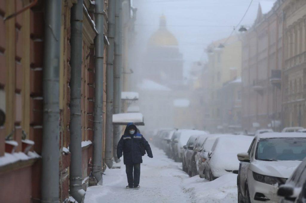 В МЧС петербуржцев предупредили о сильных снегопадах в выходные