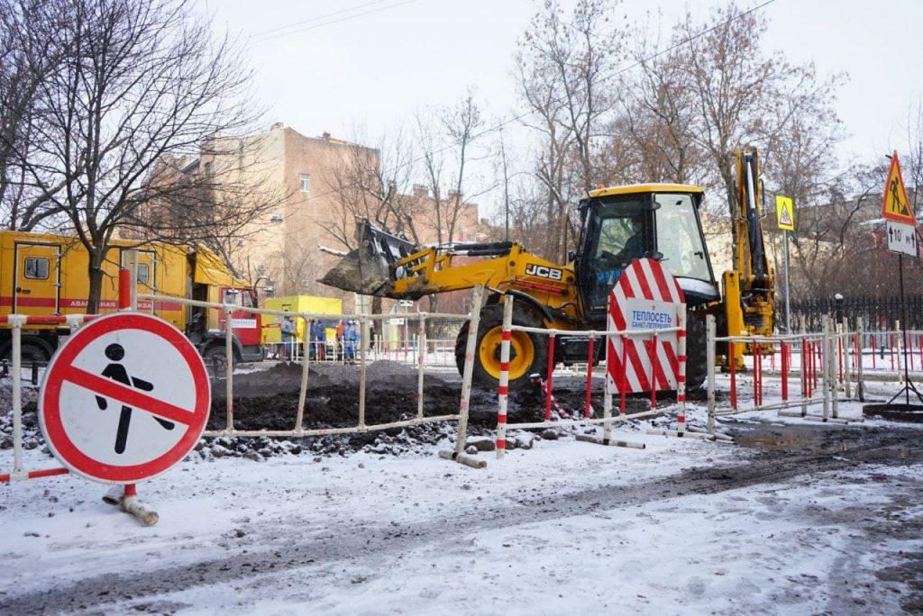 В семи районах Петербурга заменили почти 40 метров дефектных труб