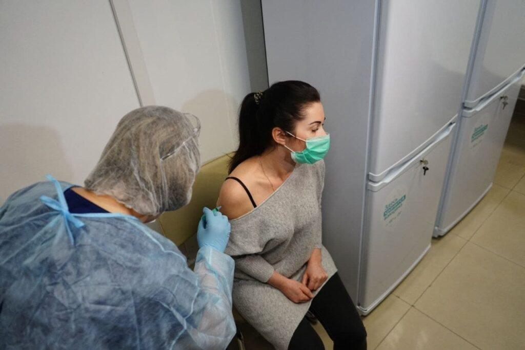 В пятницу в Ленобласти заработают ещё 11 прививочных пунктов