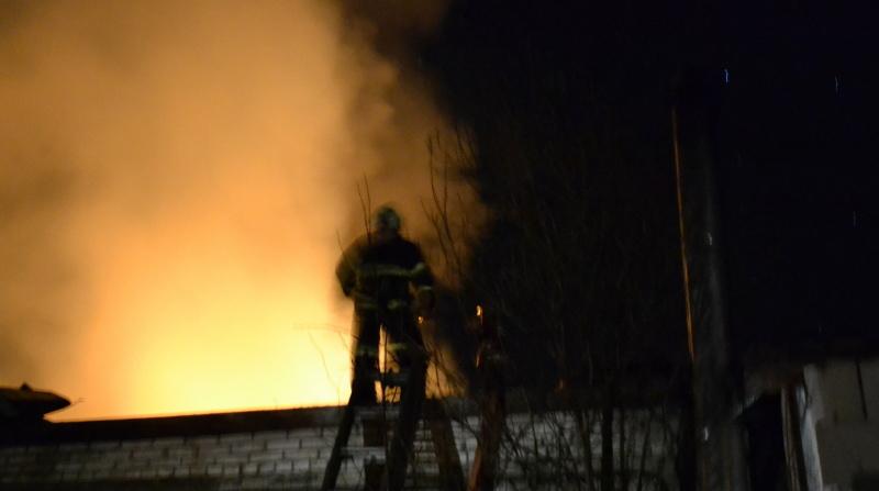 По факту пожара в деревне Хирвости возбудили уголовное дело