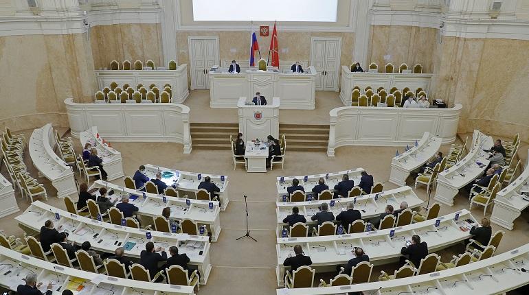 Депутаты намерены составлять рекомендации после докладов Смольного в ЗакСе
