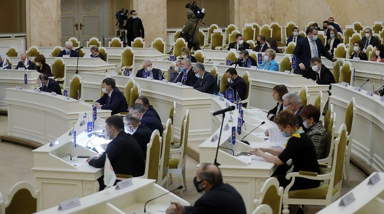 Депутаты поддержали пересчет выплаты на детей от 3 до 7 лет в Петербурге