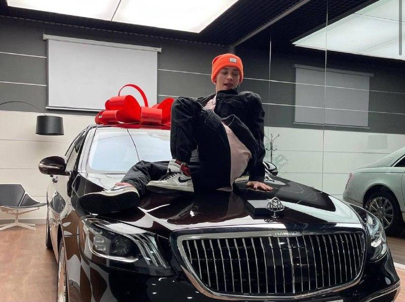 Тиктокер Даня Милохин прикупил Mercedes за 10 млн рублей
