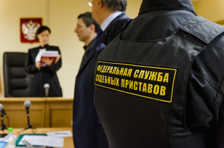 Житель Сланцев погасил долги по алиментам после возбуждения уголовного дела