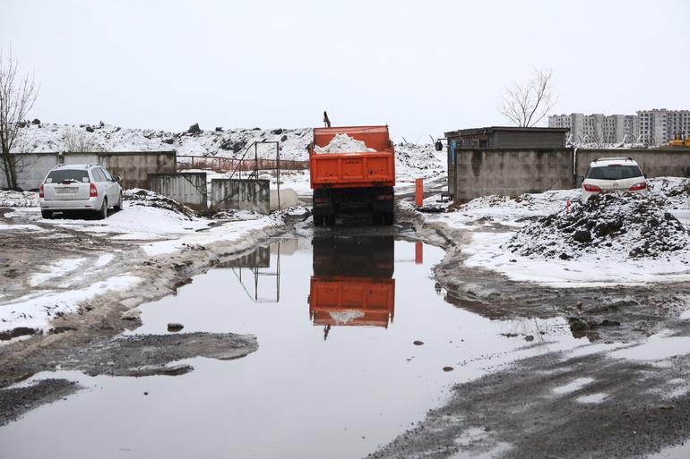 В Петербурге ожидается «плюс» и без осадков, 50 лет назад город замело снегом