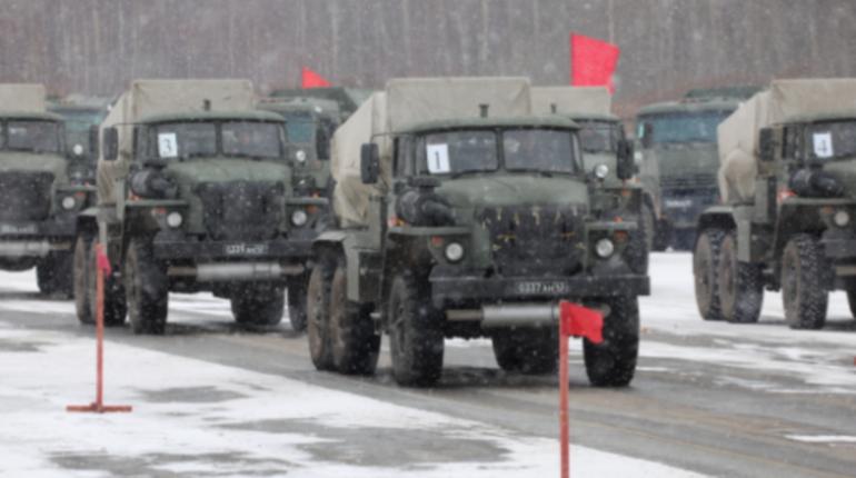 Экипажи военной техники ЗВО провели тренировку к параду Победы