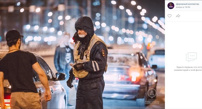 В Петербурге водитель-мигрант рассказал инспекторам ДПС, что купил свои права за 20 тысяч рублей