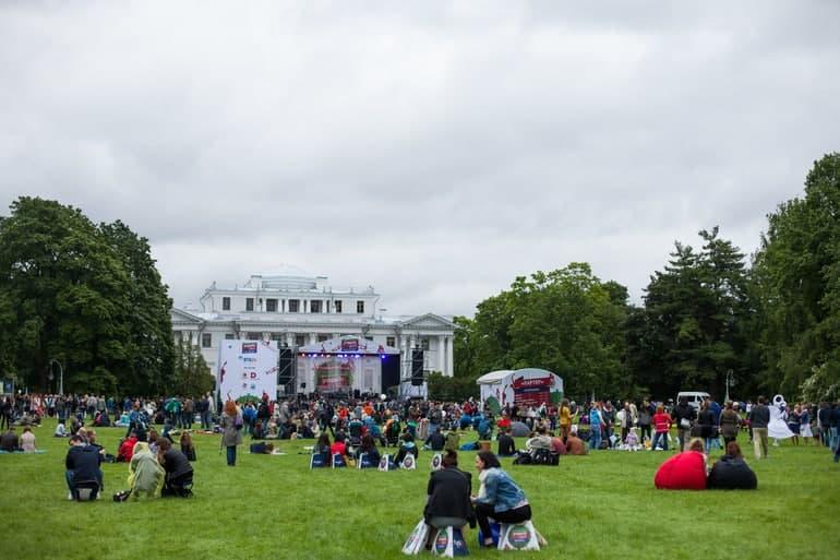 Из-за непогоды в парке Кирова закрыли прокат и отменили фестиваль «Елагин про»