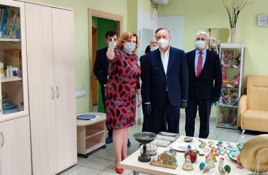 Беглов посетил центр реабилитации инвалидов в Невском районе