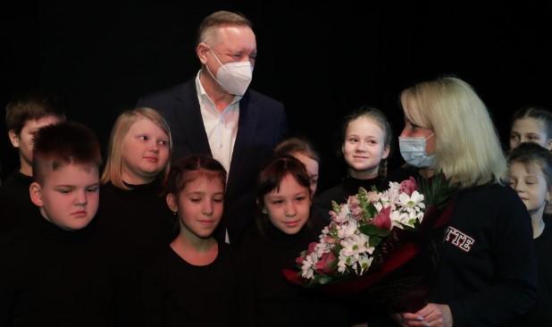 Власти Петербурга выделят средства на развитие детского творческого центра «Театральная семья»