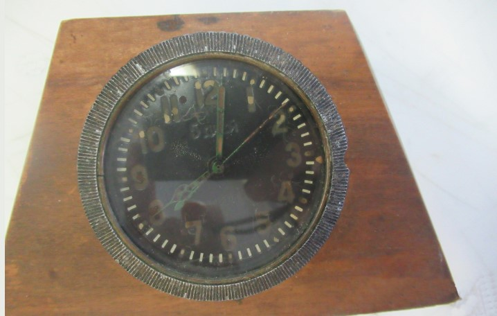 Пулковская таможня обнаружила в одной из посылок радиоактивные часы