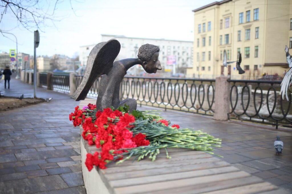 Александр Беглов поддержал инициативу по установке памятника всем жертвам COVID-19