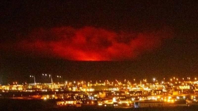 В Исландии началось извержение вулкана, который спал 6 тысяч лет