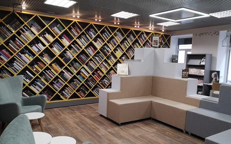 В Петербурге после капремонта открылась библиотека для слепых и слабовидящих