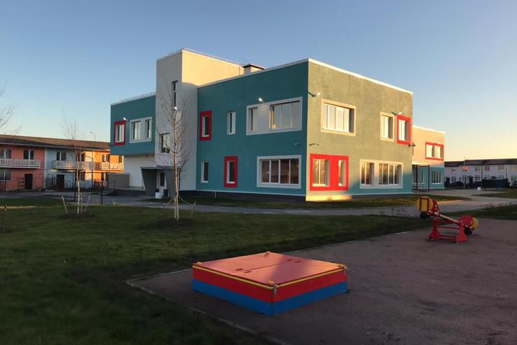 В Петербурге увеличат вместимость школ и детсадов