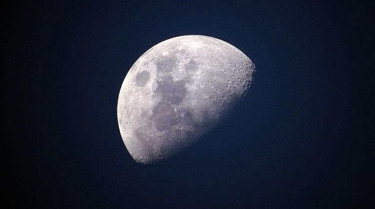 Ученые предложили создать на Луне банк спермы