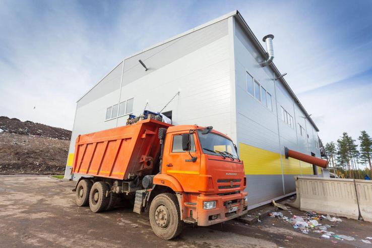 В Ленобласти перевозчиков отходов будут контролировать через QR-коды