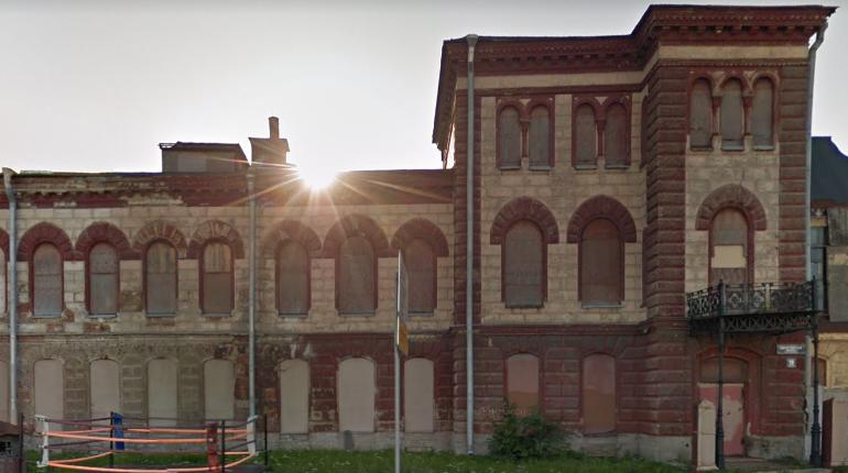 В Петербурге вандалы разгромили исторический особняк Нобеля