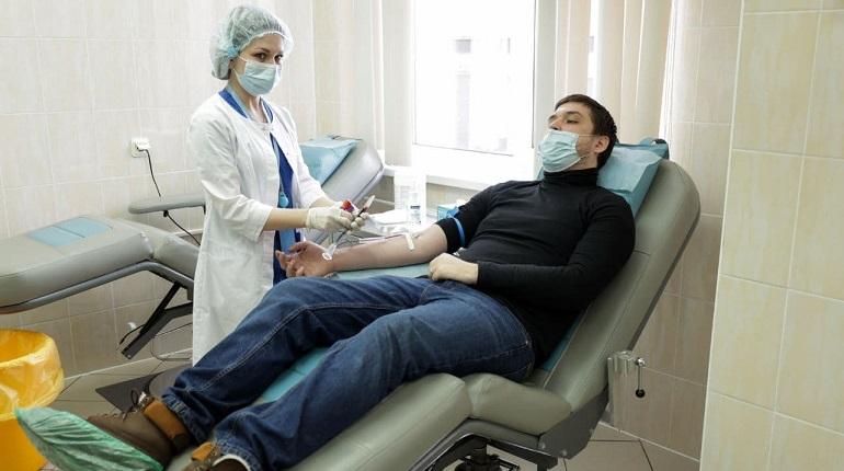 Волонтеры с редкими группами крови стали донорами для онкоцентра в Петербурге
