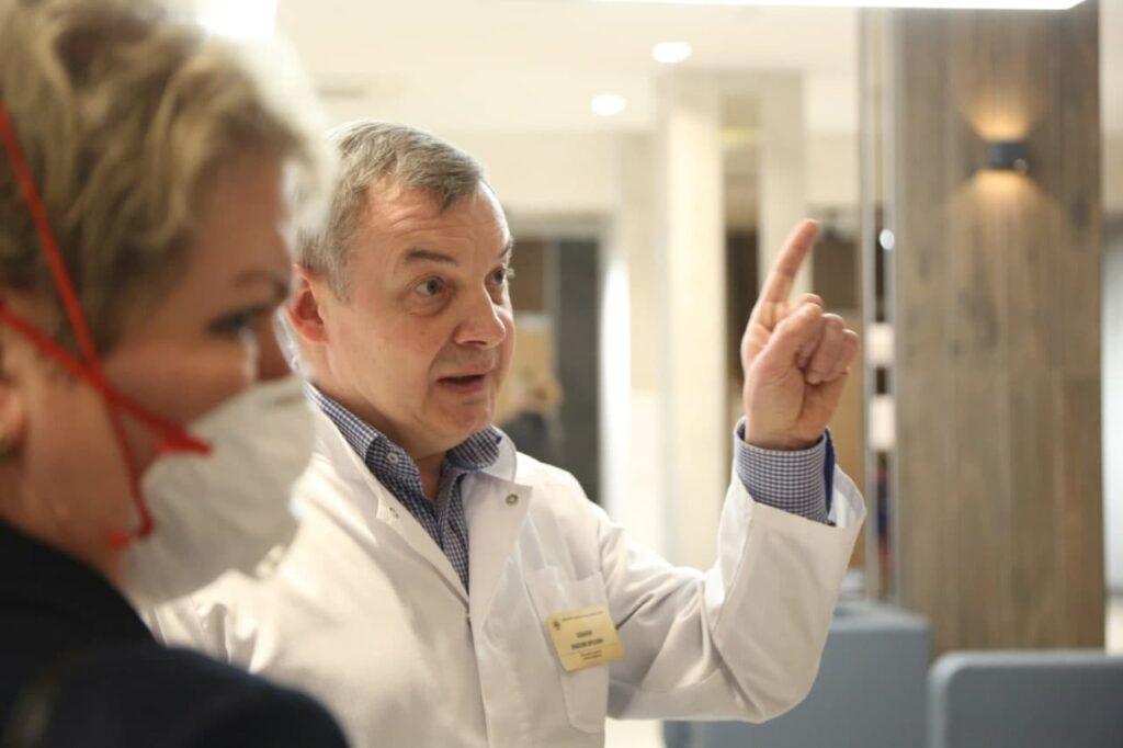 За сутки тесты на коронавирус сдали более 22 тысяч петербуржцев