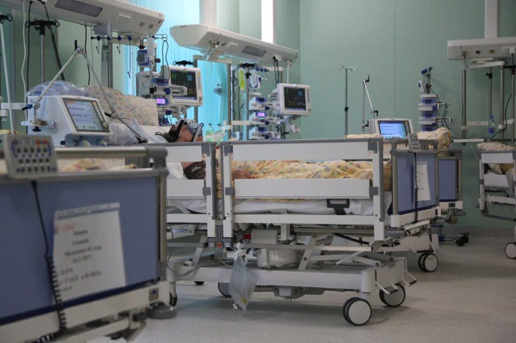 Новости COVID-19: в мире инфицированы уже 126,8 млн, Россия на пятом месте