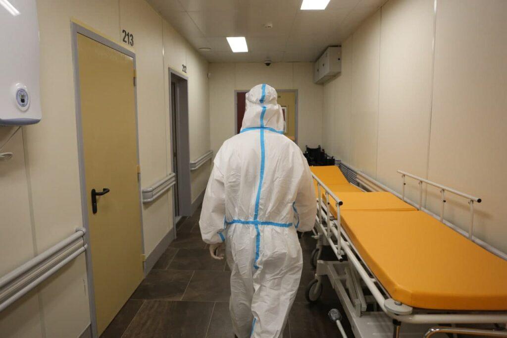 В Петербурге за сутки от COVID-19 скончались 37 человек