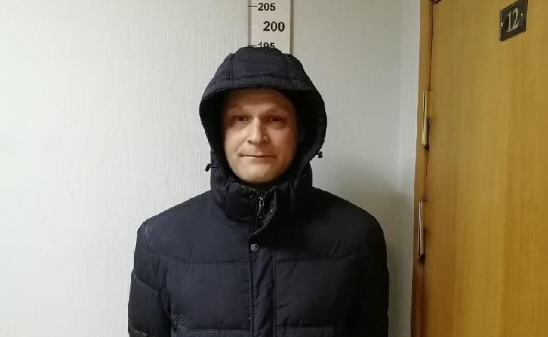 В Петербурге задержан 36-летний мужчина, обвиняемый в развращении 13-летней школьницы