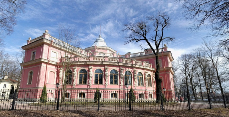 Владельца усадьбы Белосельских-Белозерских оштрафовали за ведение незаконных работ