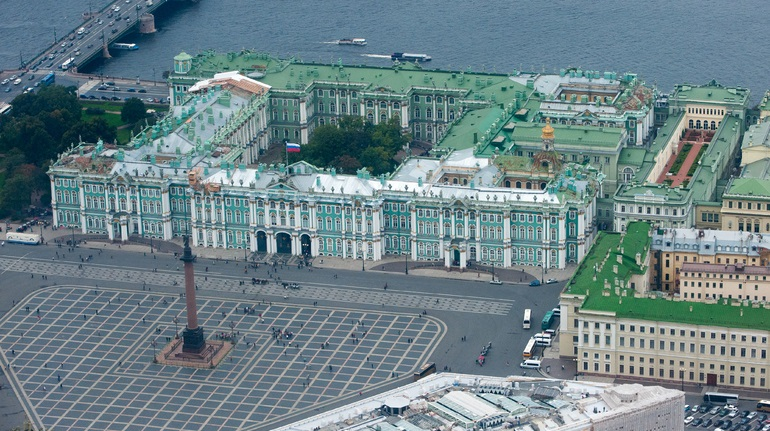 Зимний дворец попал в тройку самых популярных дворцов мира