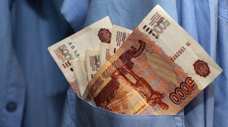 Лжесотрудница пенсионного фонда украла у 84-летней женщины 400 тысяч рублей