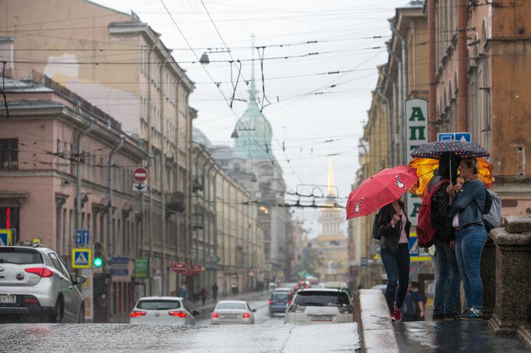 В Петербурге в среду ожидается +7 градусов и дождь, как и 30 лет назад