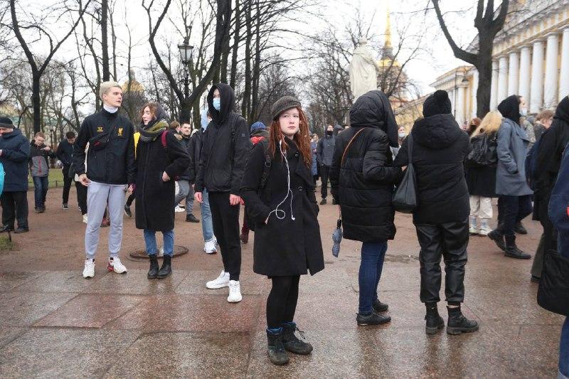 Протестующие стягиваются в Александровский сад: задержаний нет