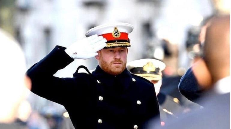 Принц Гарри прилетел в Англию ради похорон деда