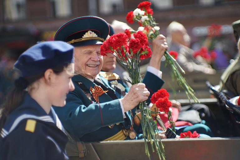 Ветеранов, участвующих в параде Дня Победы, вакцинируют от Covid-19
