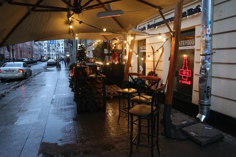 Владельцы ресторанов смогут открывать зимние веранды без аукциона