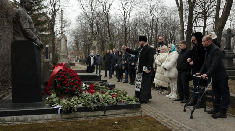В Петербурге почтили память экс-спикера ЗакСа Вадима Тюльпанова