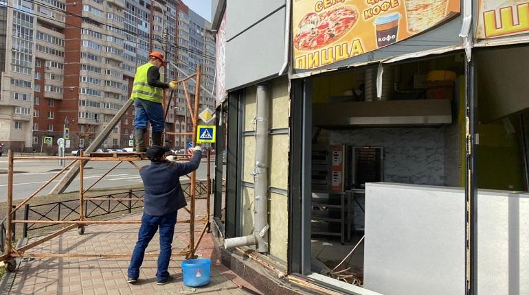 В Петербурге сносят торговые павильоны, которые использовались незаконно