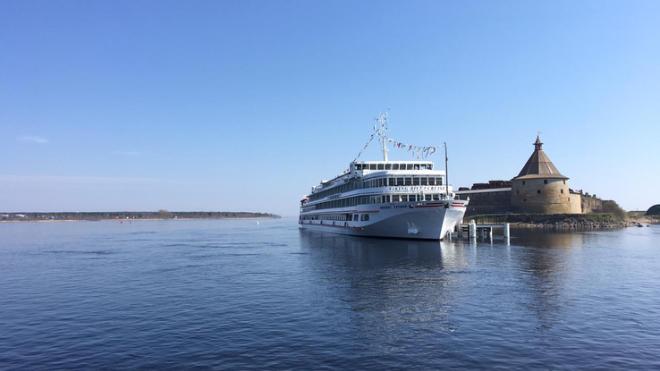 В Ленобласти построят сеть причалов для больших туристических лайнеров